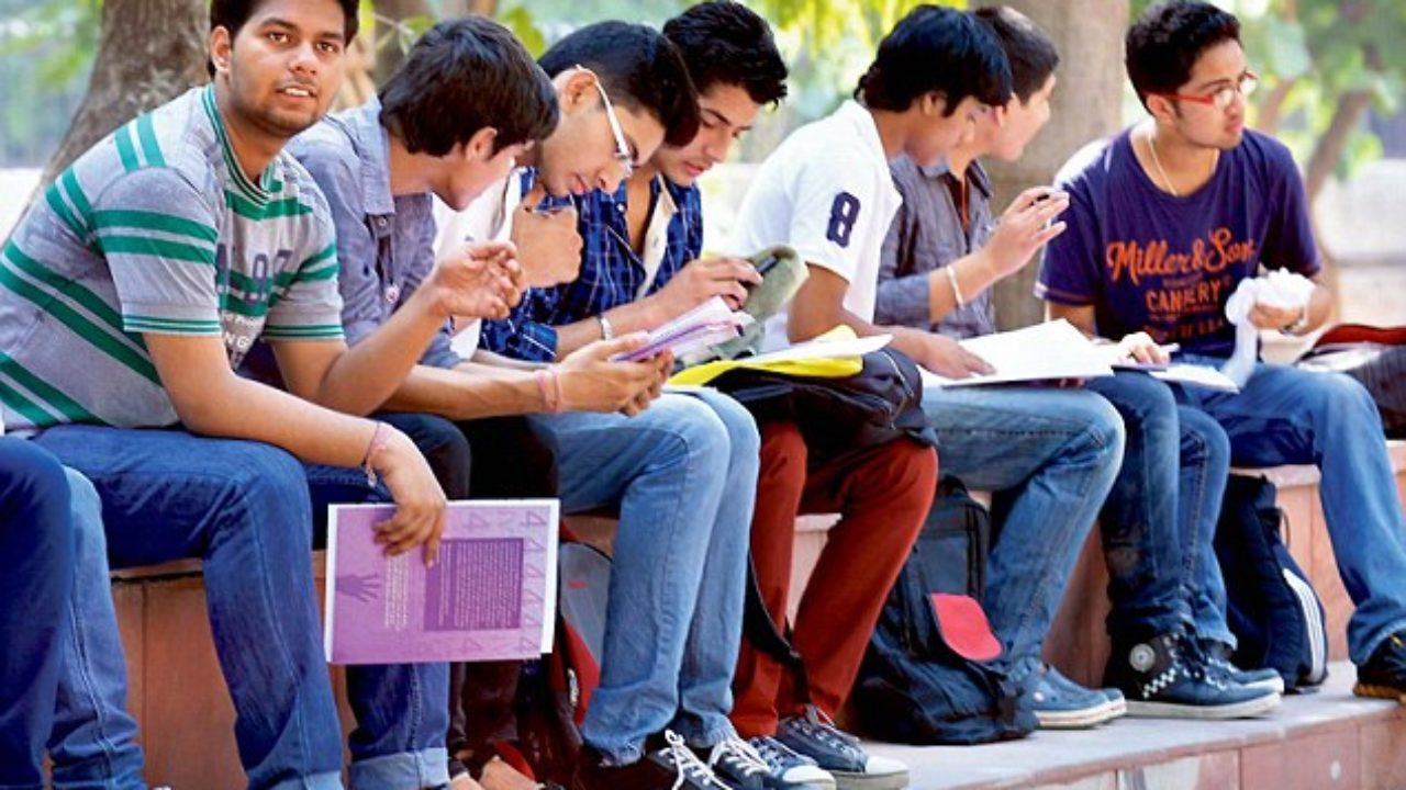 Before enrolling yourself in any particular college or course in Delhi University, one must need to know all the details.